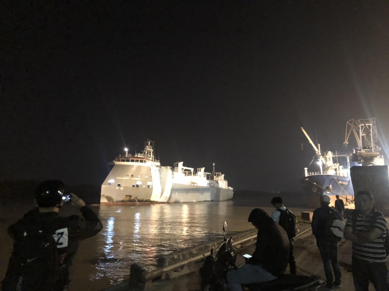 Hai Tầu Bò Úc GALLOWAY EXPRESS và DAREEN cảng Cá HP