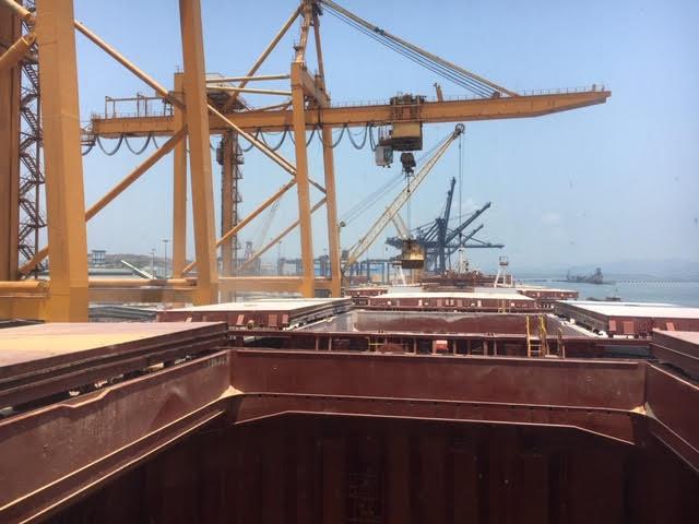 Tầu Bottiglieri cảng Cái Lân