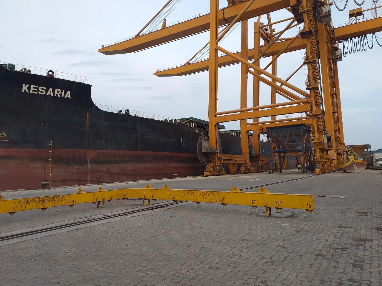 Tàu KESARIA khô đậu, đỗ tương cảng Cái Lân