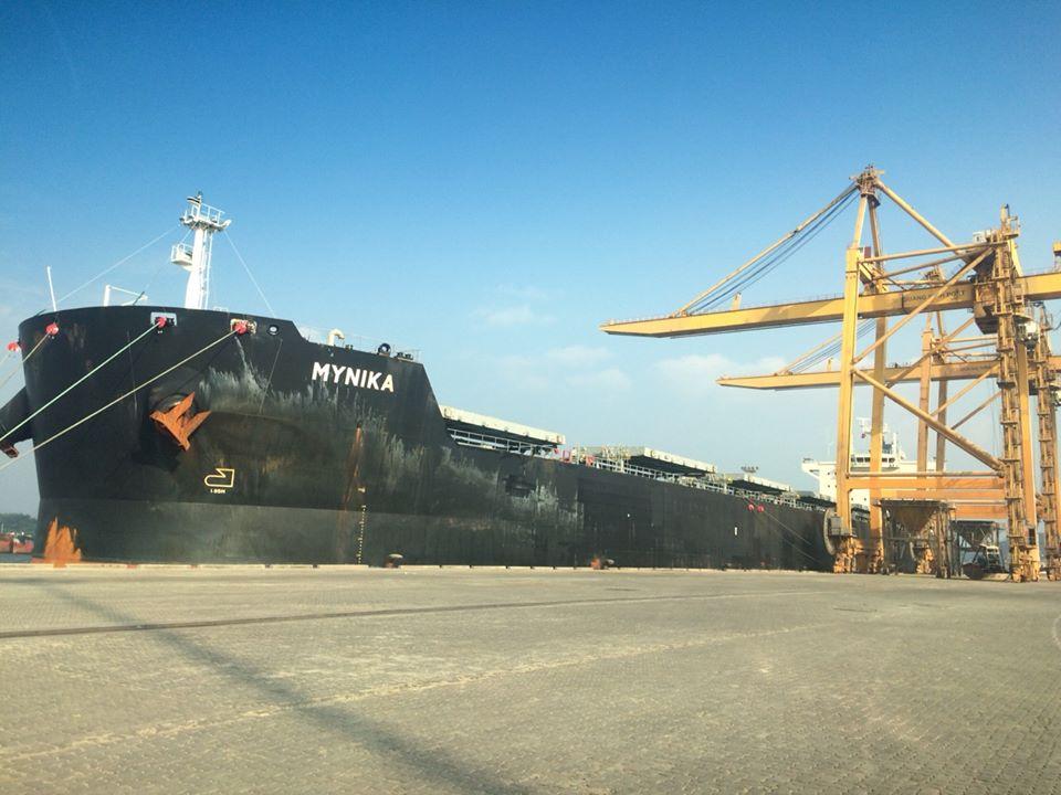 Tàu MYNIKA hàng Ngô cảng Cái Lân